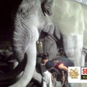 Kelik-studio-semar-mesem-Patung-gajah-patung-terbesar-di-dunia