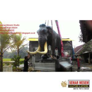 Kelik Studio Semar Mesem Monumen Gajah Karya Seni Rupa Patung