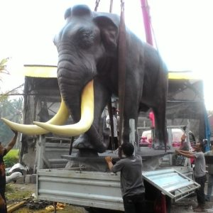 Kelik-studio-semar-mesem-patung-gajah-besar-patung-gwk-terbaru