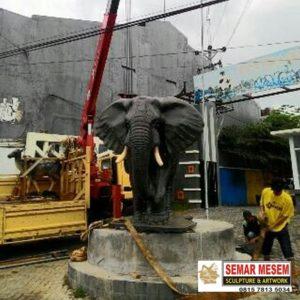 Kelik Studio Semar Mesem Patung Gajah Jumbo Patung