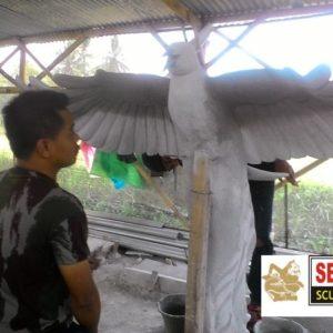 Kelik-studio-semar-mesem-pembuatan-patung-phonik-patung-burung-ruak-ruak