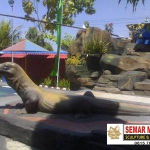 Kelik Semar Mesem Patung Komodo Lombok Island