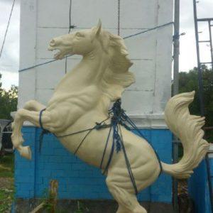 Kelik Studio Semar Mesem Fiber Patung Kuda Singa Terbesar