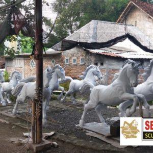 Kelik Studio Semar Mesem Jual Patung Kuda Patung Fiber