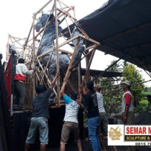 Kelik Studio Semar Mesem Kirim Patung Taman Surya Surabaya