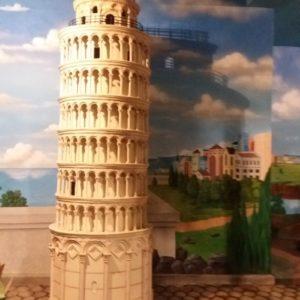Kelik Studio Semar Mesem Patung Coloseom Makna Patung Liberty