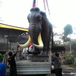 File name: kelik-studio-semar-mesem-patung-gajah-afrika-patung-dewi-kwan-im-di-hongkong