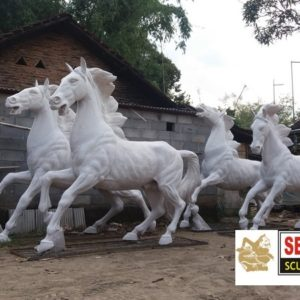 Kelik Studio Semar Mesem Patung Kuda Fiberglass Cara Pembuatan Patung Fiber