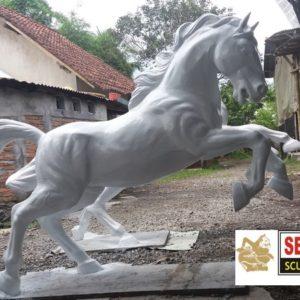 Kelik Studio Semar Mesem Patung Kuda Jingkrak Kerajinan Dari Batu Dan Cara Pembuatannya