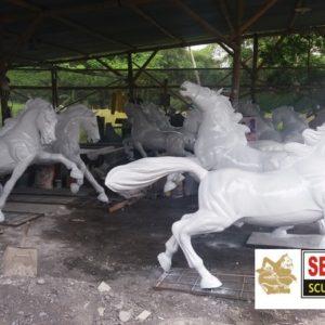 Kelik Studio Semar Mesem Patung Kuda Komplit Gambar Patung Abstrak