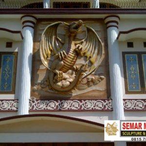 Kelik Studio Semar Mesem Patung Naga Australia Bali Tower