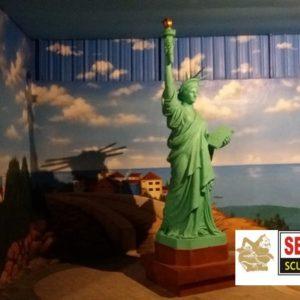 Kelik Studio Semar Mesem Patung Liberty Menara Liberty