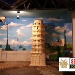 Kelik Studio Semar Mesem Menara Eifel Coloseum Foto Patung Liberty