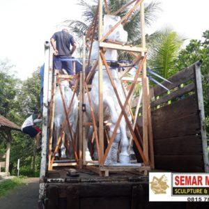 Jasa Pembuatan Patung Fiber Surabaya Patung Fiber Makassar Kedai Patung Murah