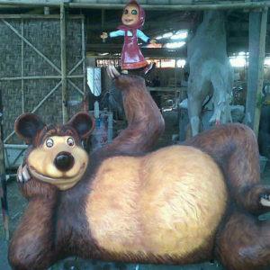 Patung Kartun Patung Marsha&the Bear Patung Fiber Copy (3)