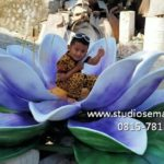 Jasa Buat Replika Patung Bunga Fiberglass/081578135034