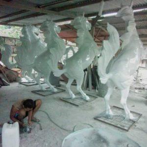 Kelik Semar Mesem Patung Kuda Jingkrak Kerajinan Patung Fiber