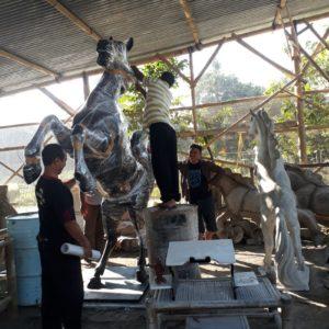 Kelik Semar Mesem Patung Kuda Cara Membuat Patung Dari Fiber
