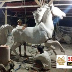 Kelik Studio Semar Mesem Buat Patung Kuda Cara Membuat Kerangka Patung Dari Kawat