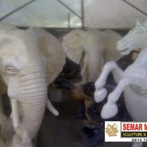 Kelik Studio Semar Mesem Patung Gajah Patung Kuda Patung Fiberglass Malang