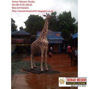 Kelik Studio Semar Mesem Patung Jerapah Waterboom Patung Fiberglass Bandung