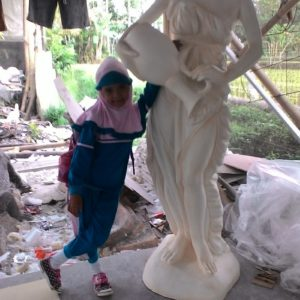 Kelik-studio-semar-mesem-patung-wanita-anggun-gambar-patung-arsitektur