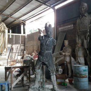 Kelik Studio Semar Mesem Patung Arjuna Patung Arjuna Purwakarta