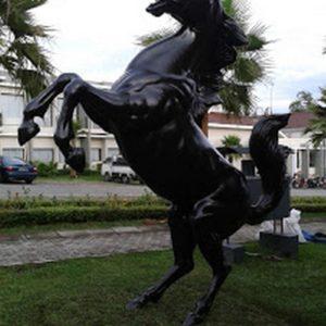 Kelik Studio Semar Mesem Patung Kuda Besar Seni Rupa Yogyakarta