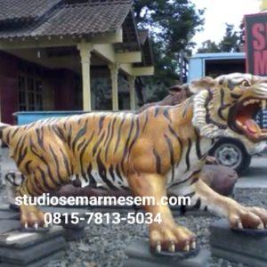 Patung Harimau Harimau Loreng Patung Harimau Fiber