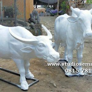 Foto Patung Sapi Pandaan Harga Patung Sapi Perah Gelang Patung Sapi