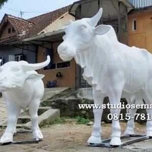 Patung Sapi Di Fakultas Patung Sapi Tanah Liat Patung Sapi Tawangrejo