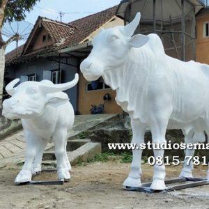 Patung Sapi Lembu Suro Patung Sapi Lembu Suro Boyolali Patung Sapi Jembrana