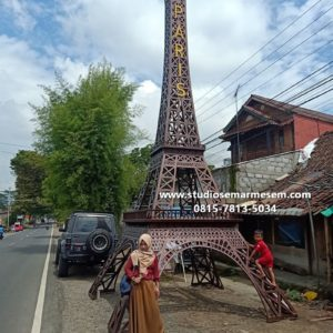 Foto Menara Eiffel Ilegal Lokasi Menara Eiffel Indonesia Pengrajin Menara Eiffel