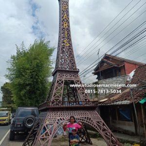 Menara Eiffel Di Indonesia Menara Eiffel Foto Menara Eiffel Gambar