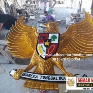 Pembuat Lambang Garuda Pancasila Patung Garuda Patung Fiber