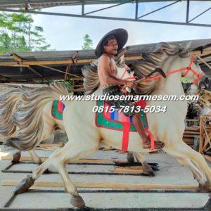 Patung Kuda Magelang Patung Naik Kuda Patung Kuda Putih